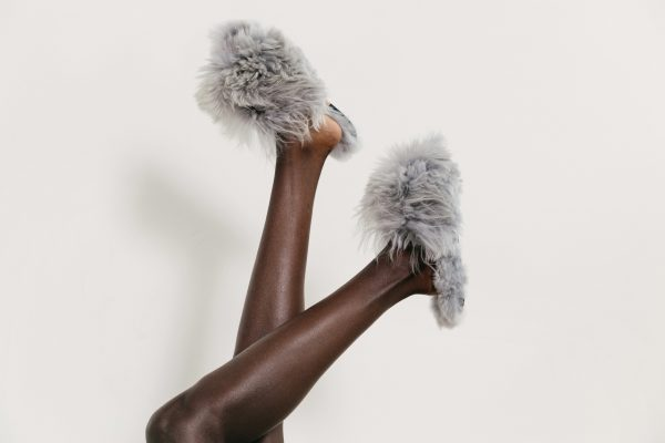 zoom_ArianaBohling_Slippers_1